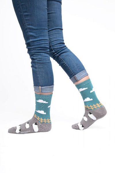 SHEEP IN MEADOW BAMBOO SOCKS