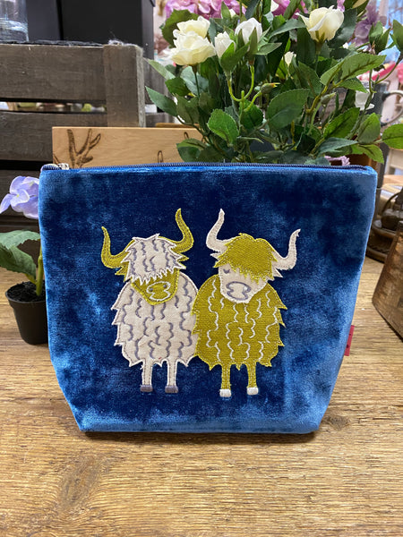 HIGHLAND COW LARGE COSMETIC PURSE - COLOUR OPTIONS AVAILABLE