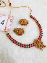 Load image into Gallery viewer, Kemp Necklace With Jhumkas