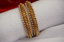 Load image into Gallery viewer, Gold Tone Statement Bangles
