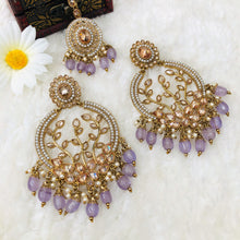 Load image into Gallery viewer, Polki Earrings With Tikka