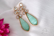 Load image into Gallery viewer, Kundan Classic Earring With Gold Plating
