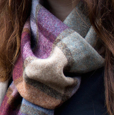 WOMEN'S MERINO WOOL SCARVES