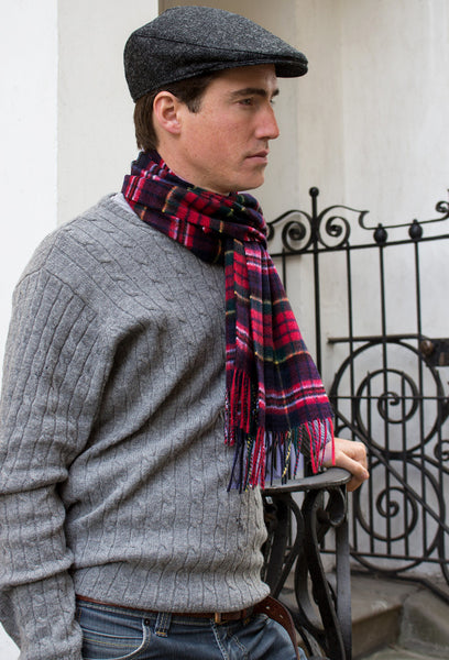 cashmere scarf - model - red and navy
