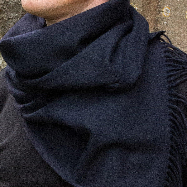 navy cashmere scarf - PIC MEN