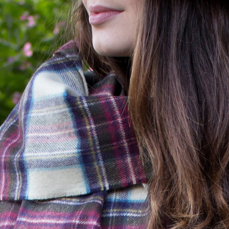 SCOTTISH CASHMERE SCARF - CREAM & BERRY RED TARTAN - PIC WOMEN