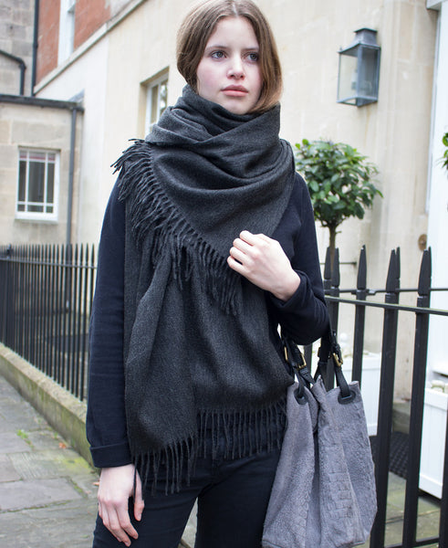 BRITISH CASHMERE SHAWL - PLAIN CHARCOAL GREY
