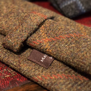 tweed tie - rear