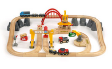 Load image into Gallery viewer, Brio Cargo Railway Deluxe Set 33097