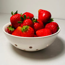 Load image into Gallery viewer, Medium Berry Bowl