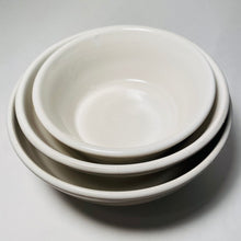 Load image into Gallery viewer, Small Serving / Mixing Bowls (stack of 3)