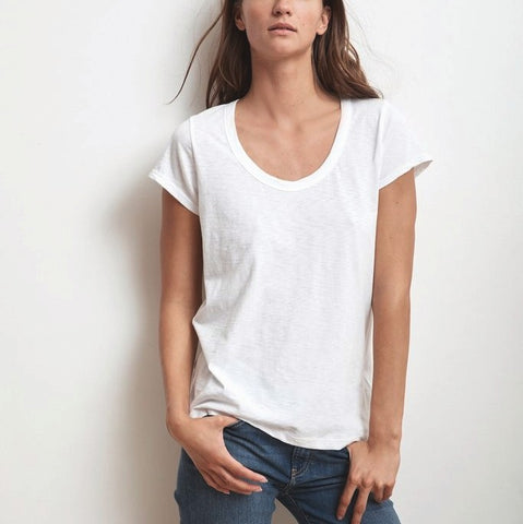 scoop neck white t shirt