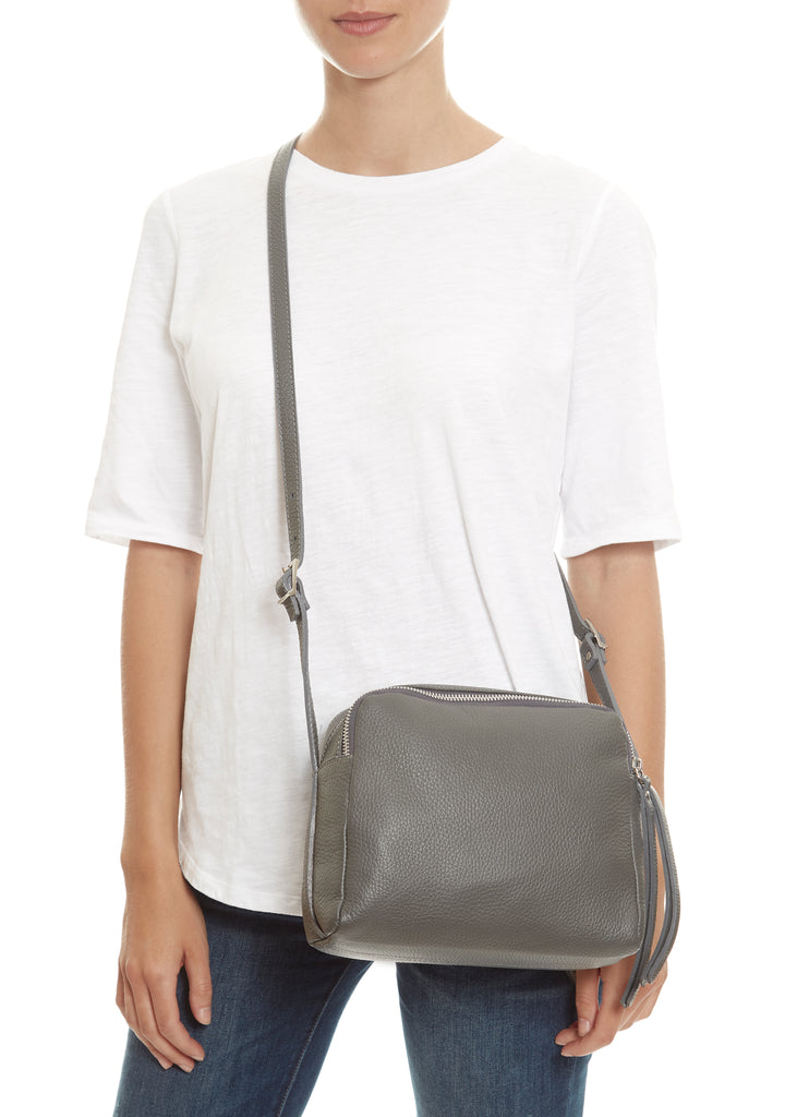 Grey 'Art City' Crossbody Bag Marlon Firenze - Jessimara