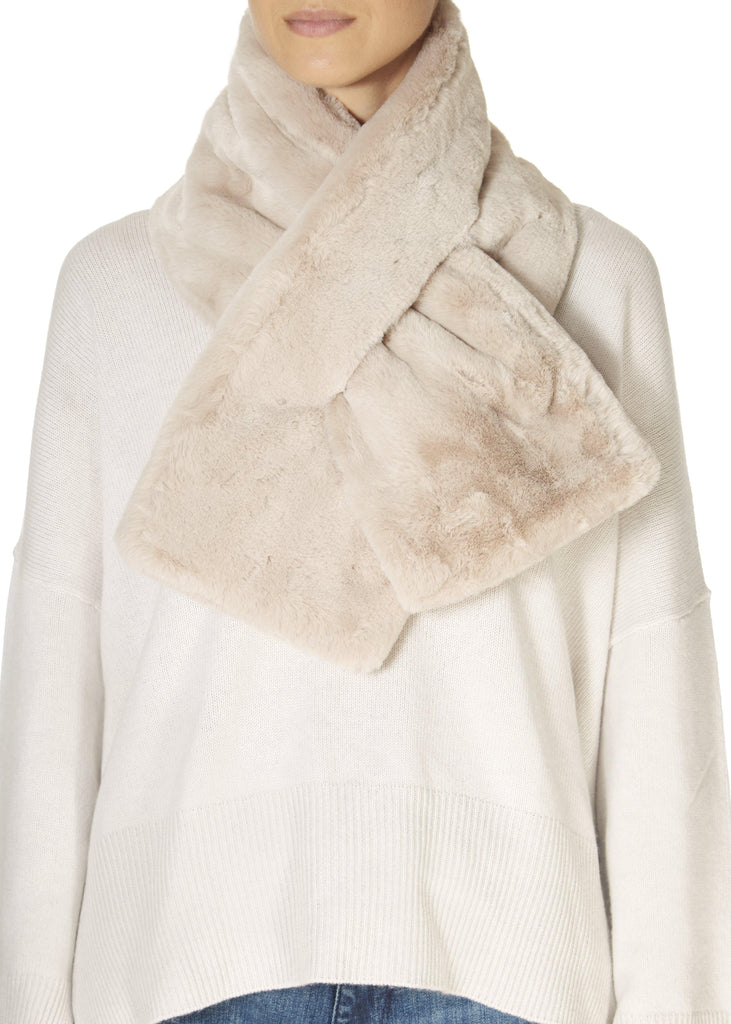 Shell Faux Fur Loop Scarf