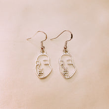 Load image into Gallery viewer, Hallow Face Earrings