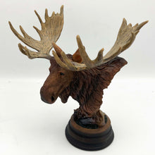 "Load image into Gallery viewer, Sculpture ""Twig Eater"" – Moose"