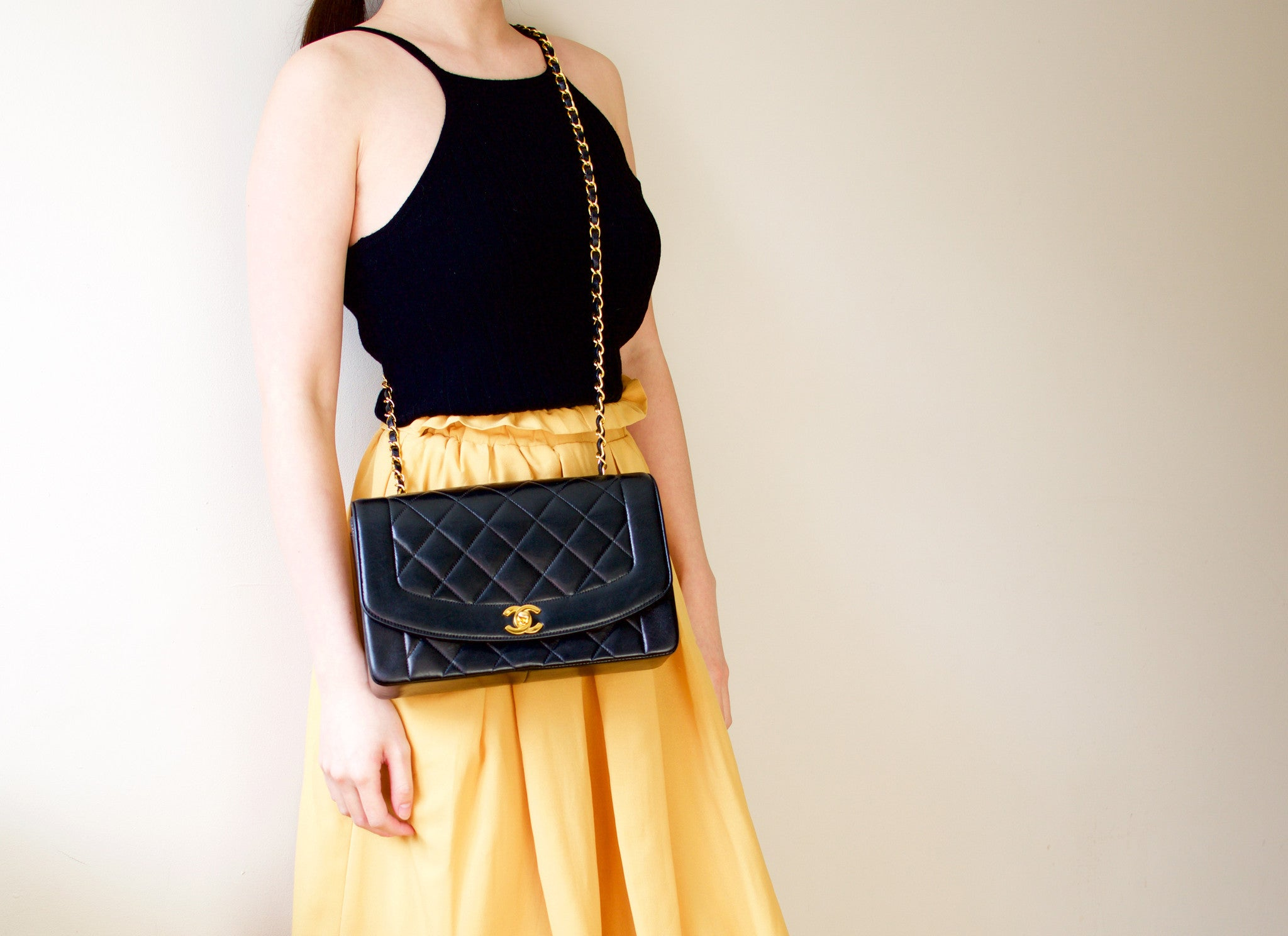 b2405a2a7206b7 CHANEL VINTAGE BAG - Quilted Classic Flap Bag in Black Diana bag ...
