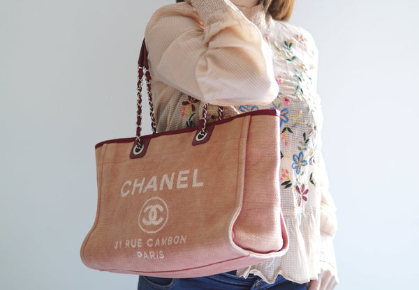 1572d8690e49 CHANEL DEAUVILLE CANVAS TOTE BAG - Red - Vintage District