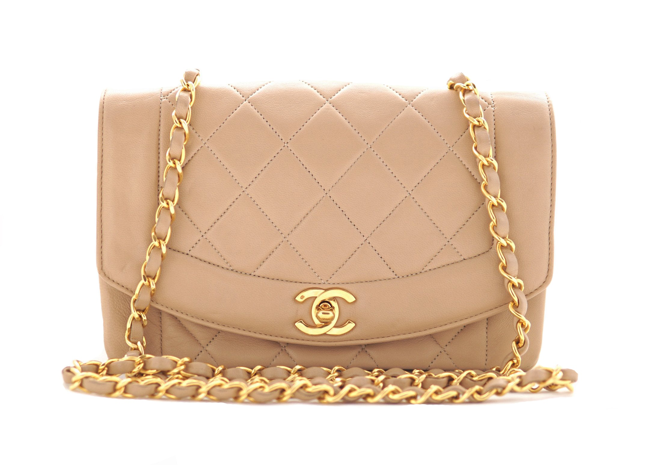 15e23e09b14e2d CHANEL VINTAGE DIANA FLAP BAG - Quilted Lambskin in Beige