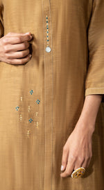Solid kurta set with tie and dye dupatta
