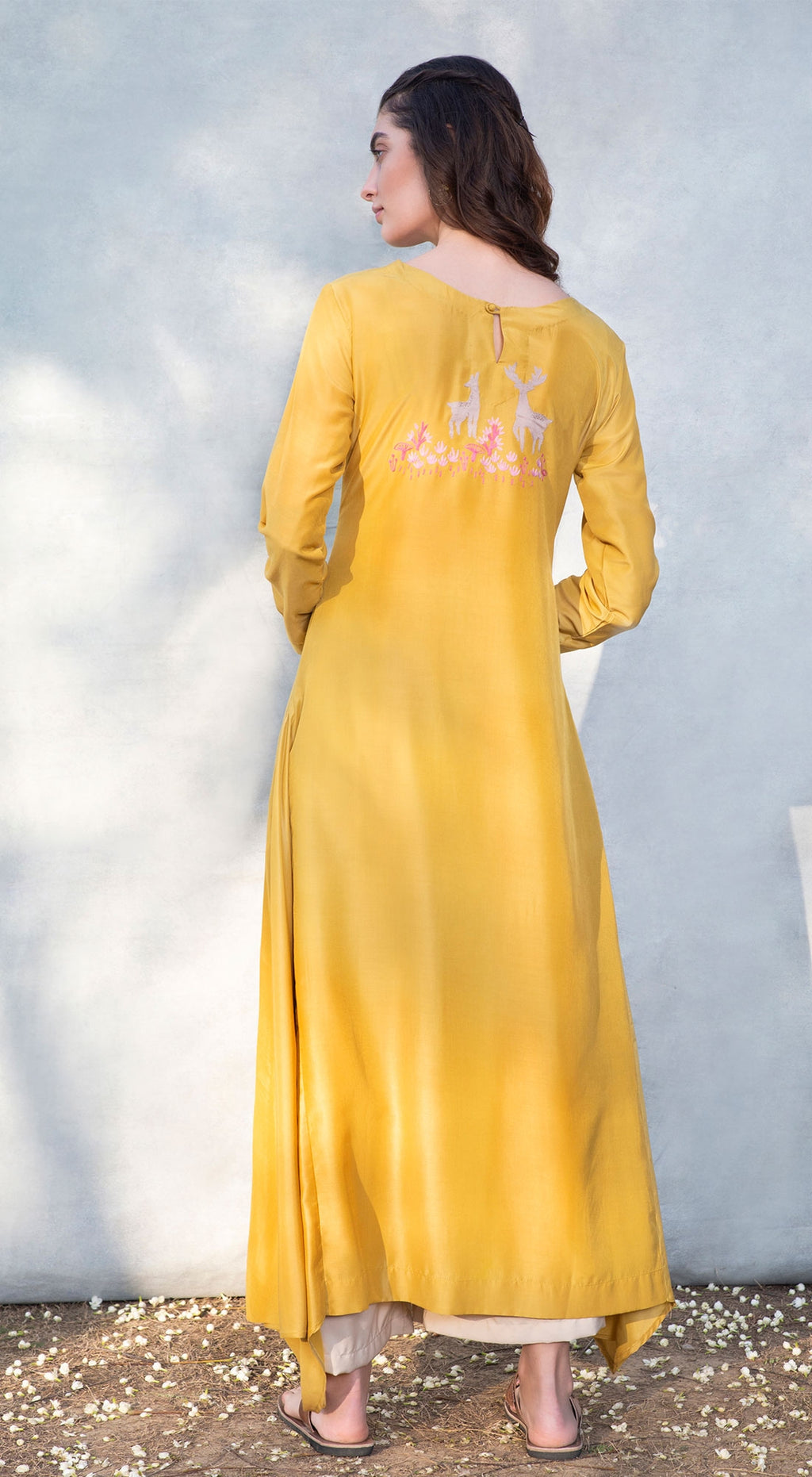Wildlife embroidered kurta