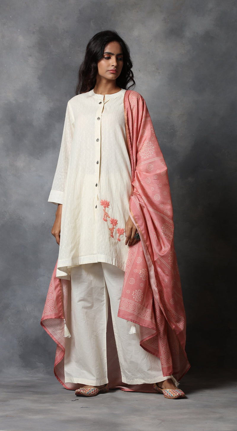 Embroidered Kurta Set With Kota Bandhani Dupatta - Pink
