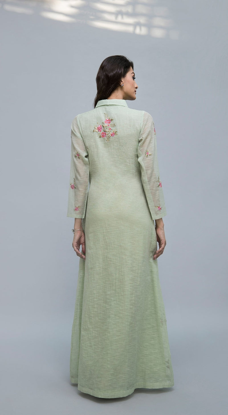 Tunic with collar and floral thread embroidery