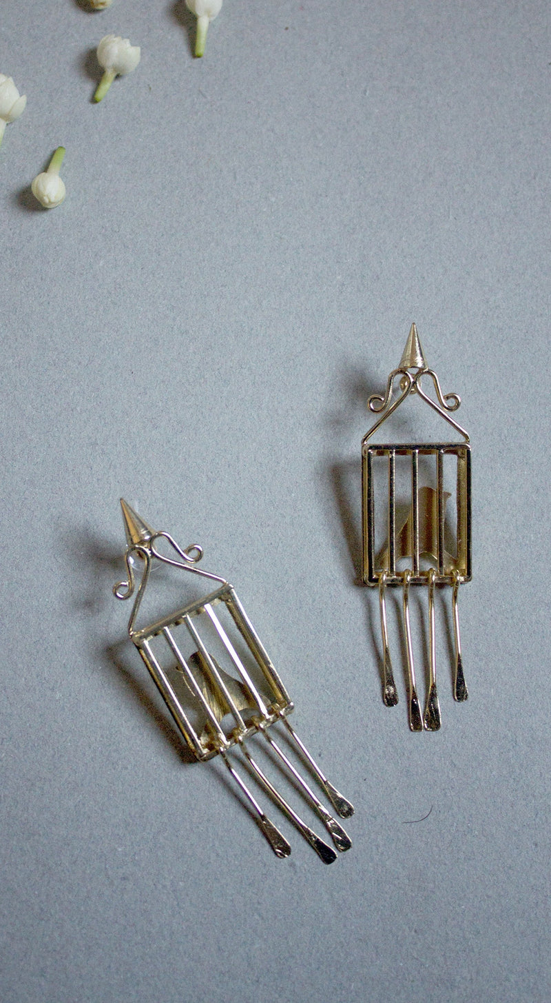 Cage Shaped Gentlewoman Earring