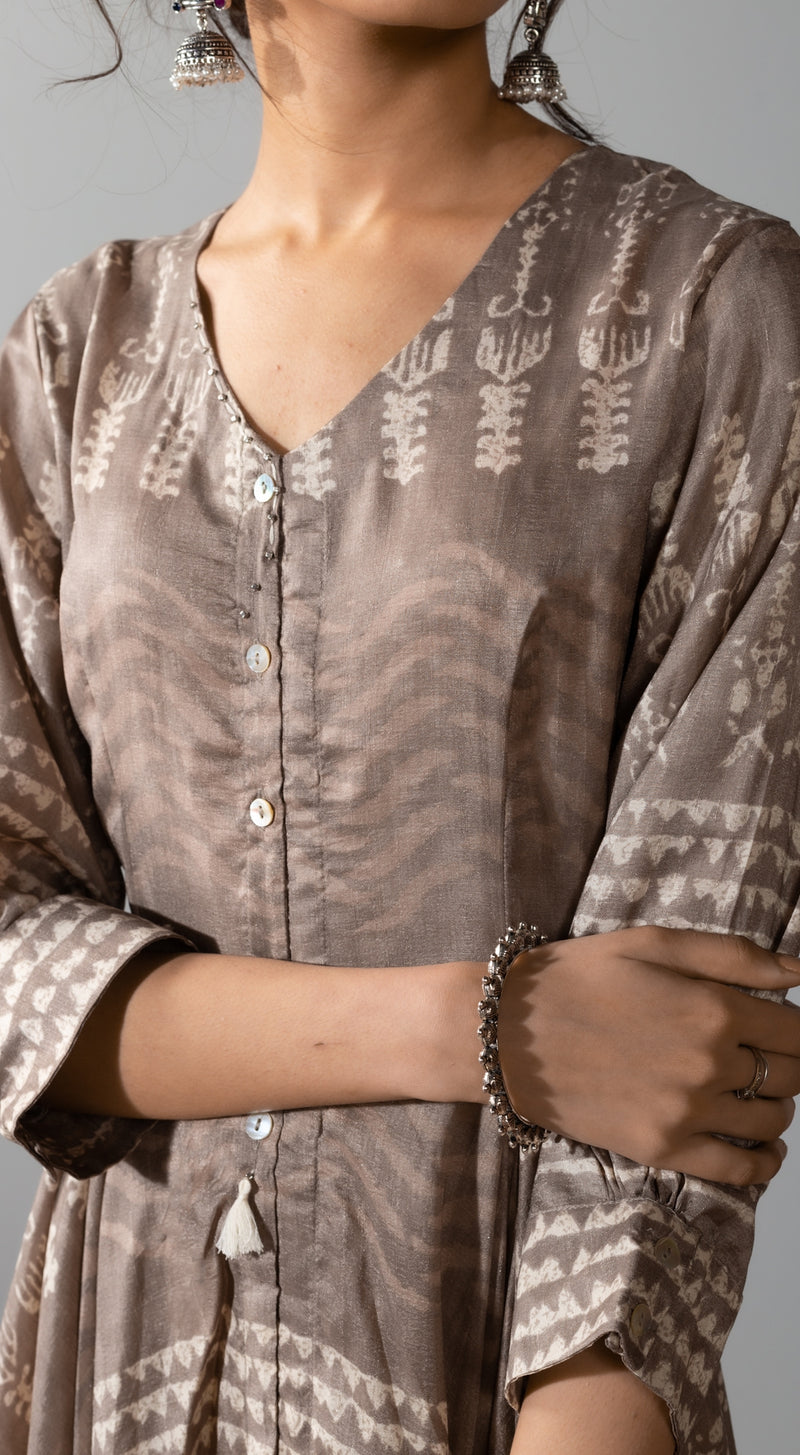 Printed kurta with button detailing on the neck