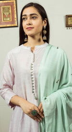 Thread embroidered kurta set