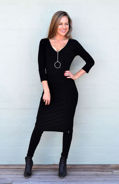 V-Neck Dress - 3/4 Sleeve