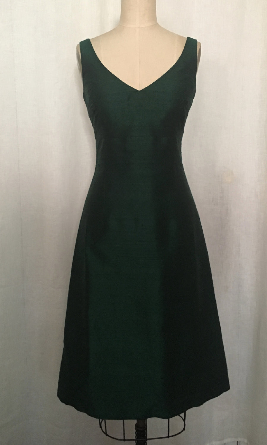 Emerald Classic V-neck A-line Cocktail Dress, size Medium