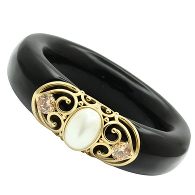 VL032 - IP Gold(Ion Plating) Brass Bangle with Synthetic Pearl in White