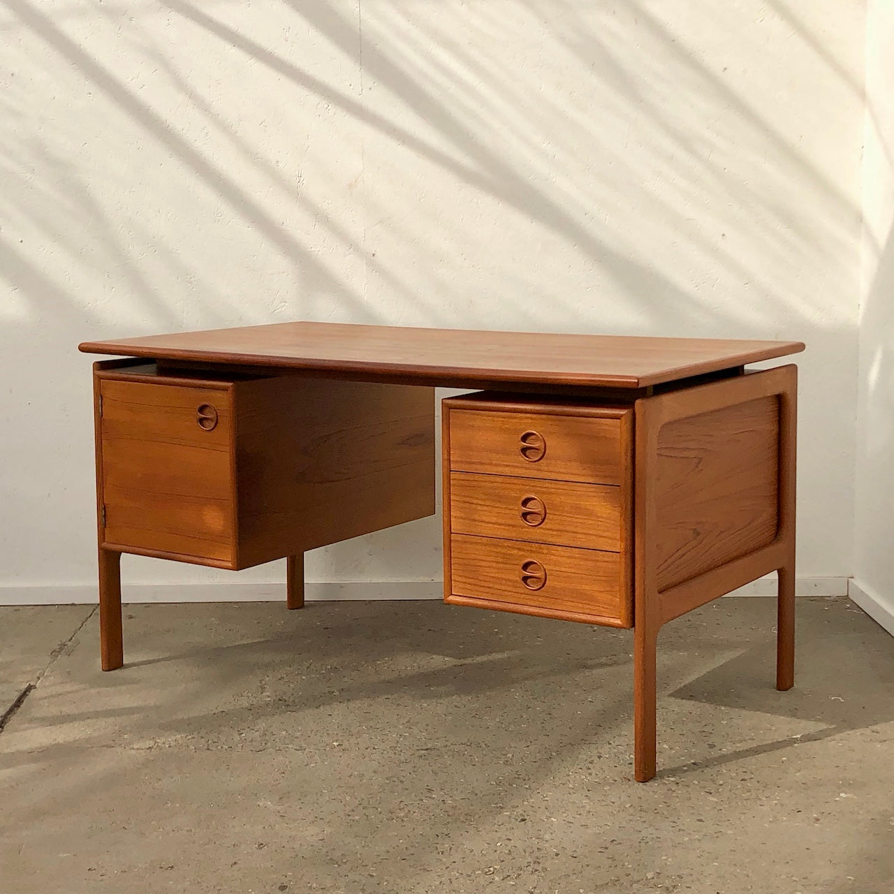 Vintage Danish Desk by Arne Vodder for GV Mobler, 1960s