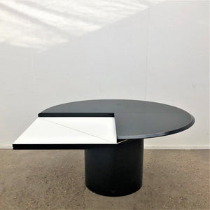 Quadrondo dining table by Erwin Nagel for Rosenthal