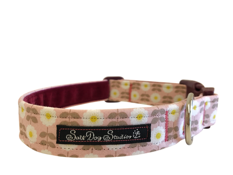 Salt Dog Studios - Retro Pink Daisy Dog Collar