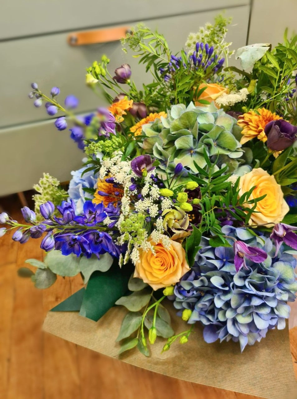Bright and Cheerful Handtied Bouquet