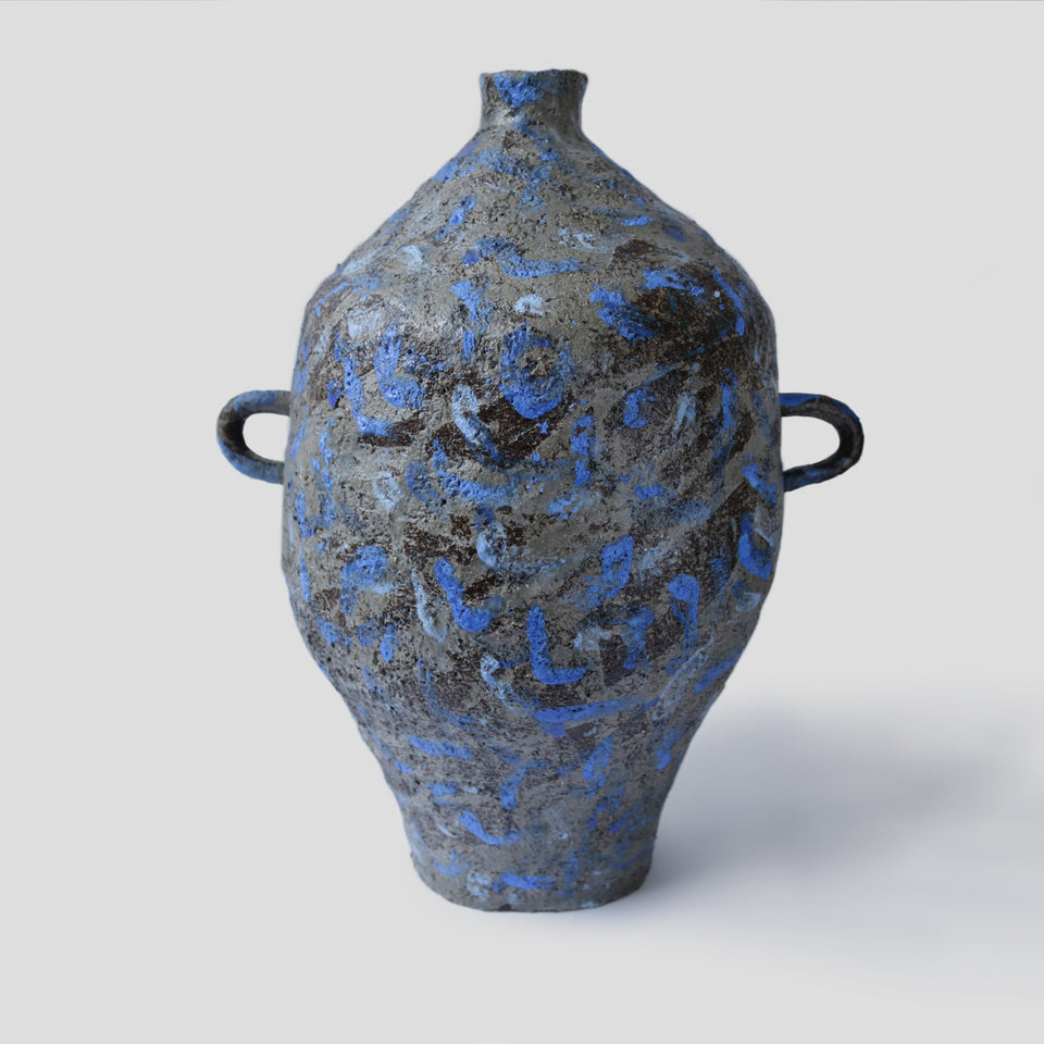 Large Vase The blue dashes