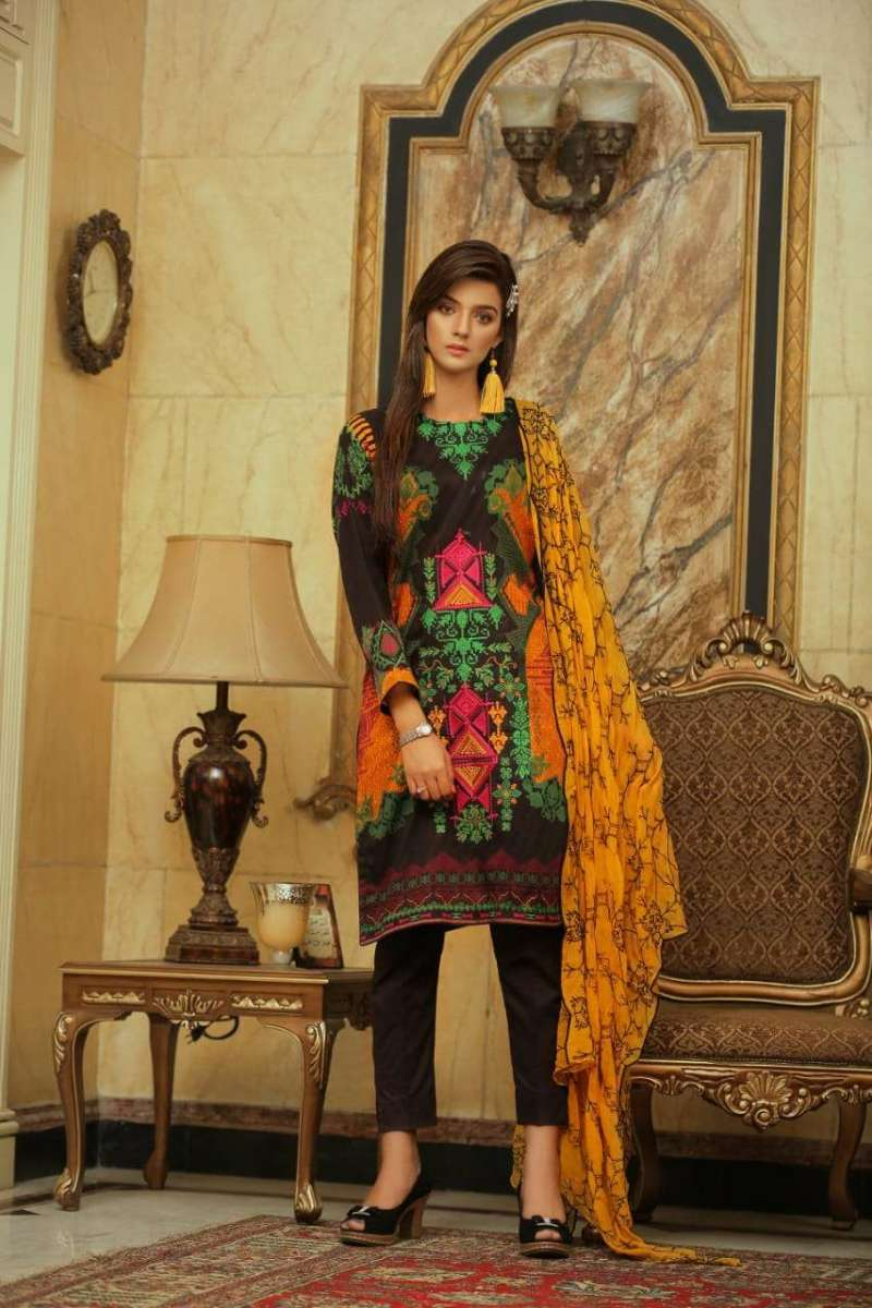 Embroidered Lawn 3 PC Ar#105