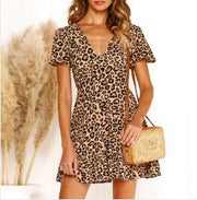 Sexy V-neck leopard print long sleeve dress