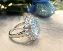 Load image into Gallery viewer, Blue topaz flower ring
