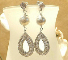 Load image into Gallery viewer, pearl earrings