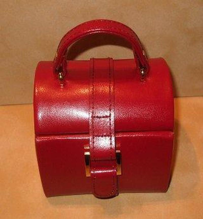 Red Leather Jewelry box - butlercollection