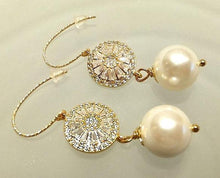 Load image into Gallery viewer, pearl and gold earrings