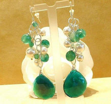 Load image into Gallery viewer, pearl and emerald earrings