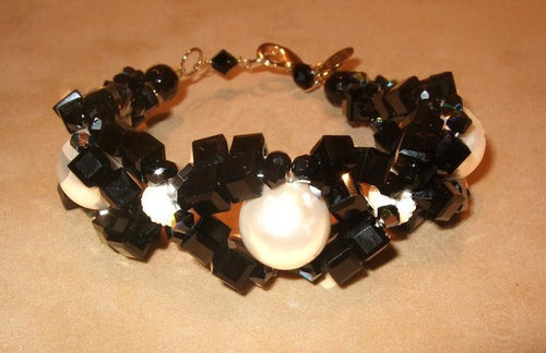 Woven Pearl and Black Onyx Bracelet - butlercollection