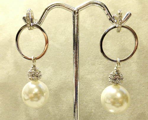 White mother of pearl drop earring