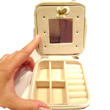 Load image into Gallery viewer, Travel jewelry box in Ivory