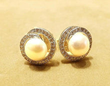 Load image into Gallery viewer, Natural white pearl stud earrings