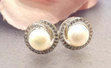 Load image into Gallery viewer, Pearl and white topaz gemstone earrings